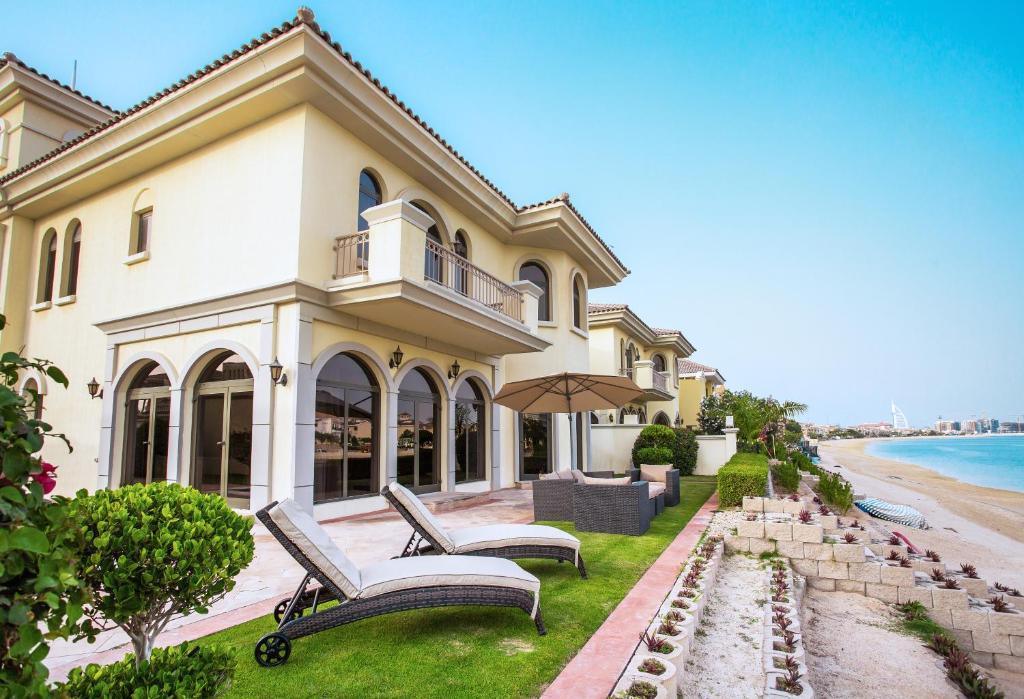 Five Bedroom Villa  Dubai  Uae