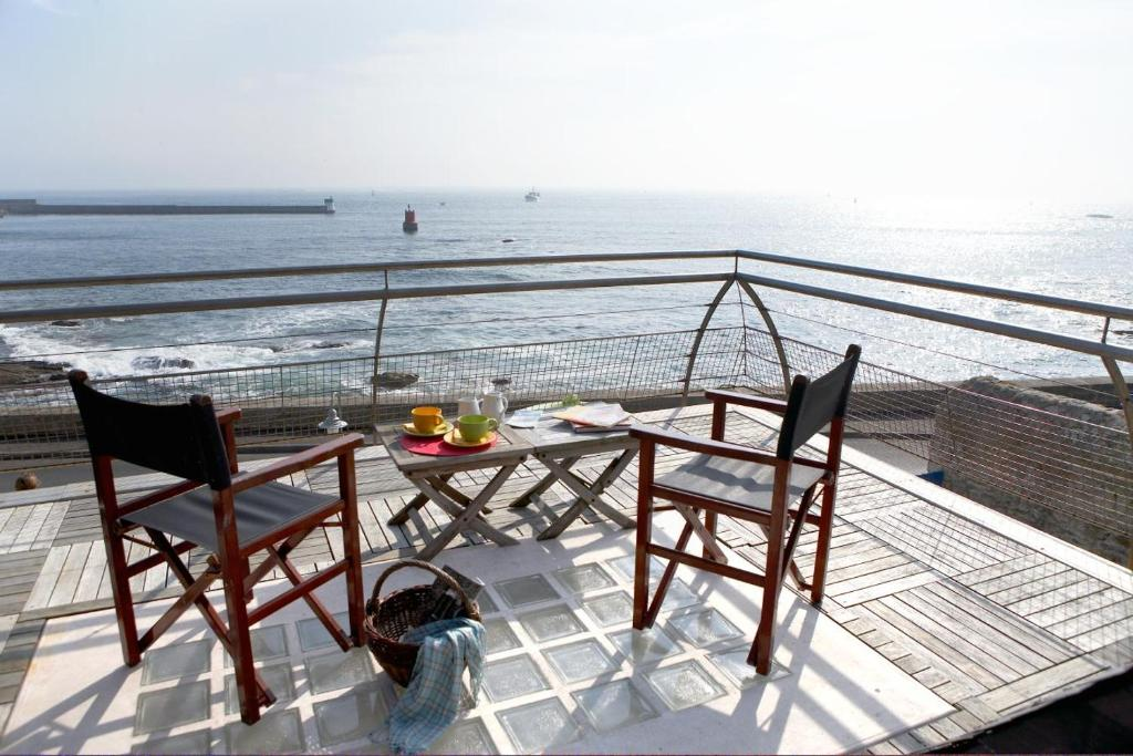 A balcony or terrace at Le Poisson d'Avril