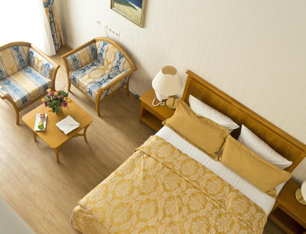Hotel Bayrisches Haus Potsdam Germany Booking Com