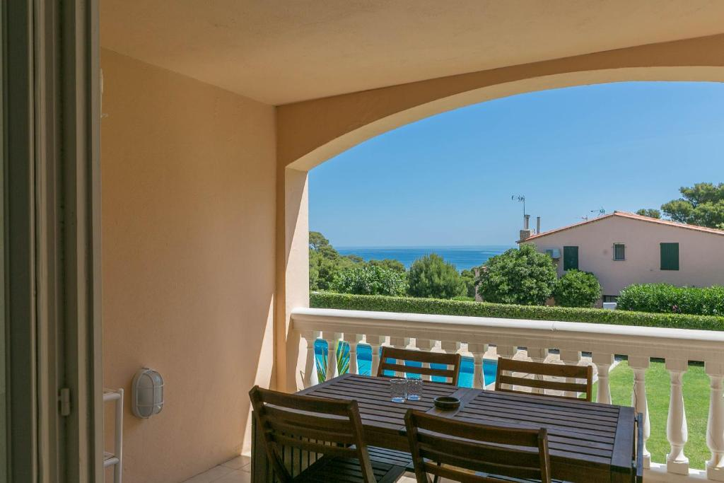2 bedroom apartment in Aiguafreda, Begur. Sea views, terrace ...