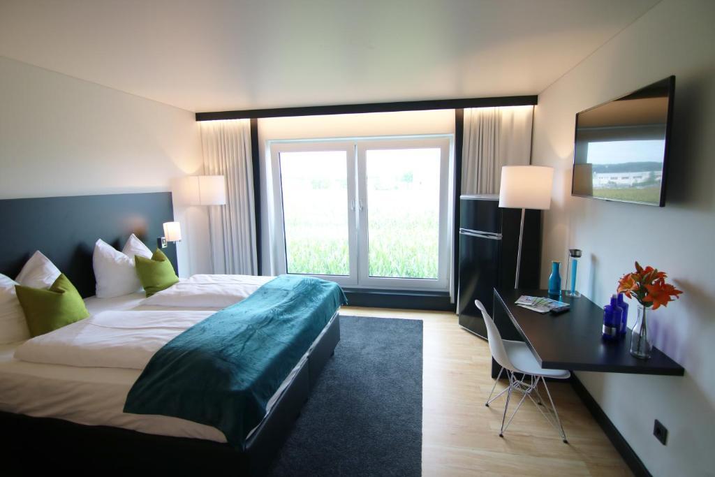 lh hotel deutschland leipheim. Black Bedroom Furniture Sets. Home Design Ideas