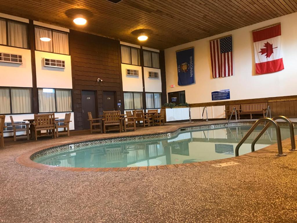 Superior Inn, WI - Booking.com