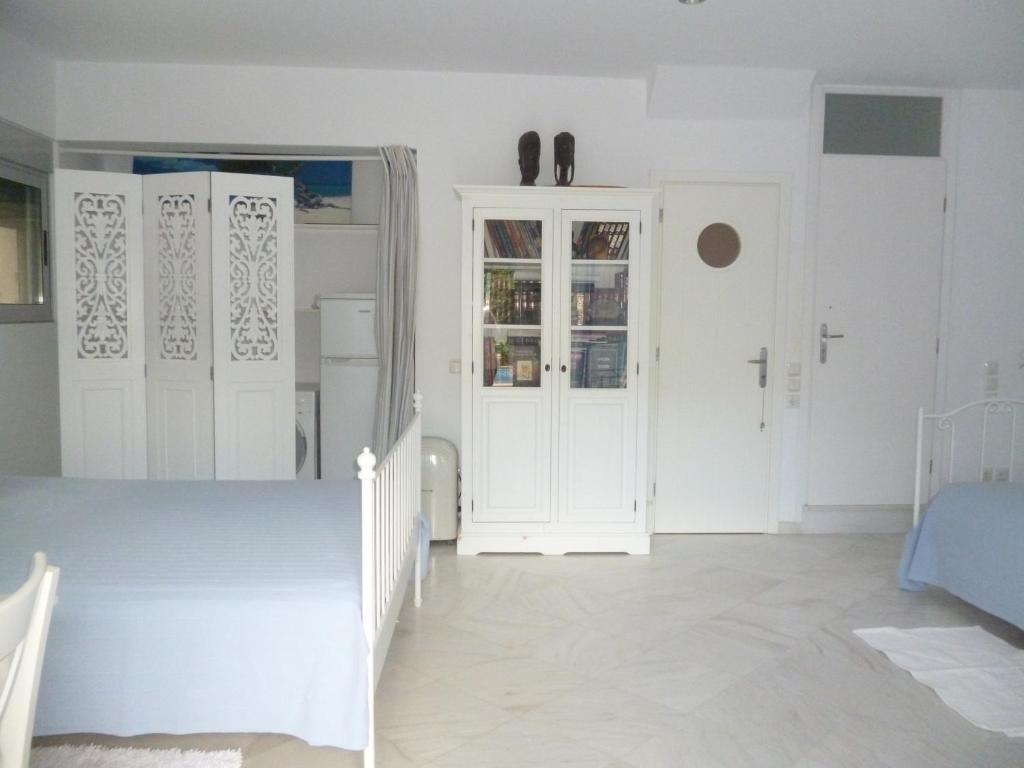 Guesthouse Marion's house, Artemida, Greece - Booking.com on box lid designs, box car designs, box newel post designs, box top designs, box cooker designs, box sled designs, box bed designs,