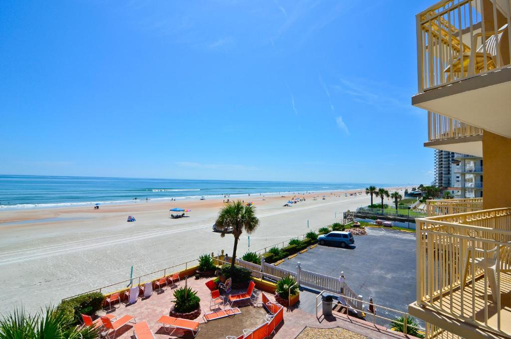 Images of daytona beach shores hotels with kitchens near me