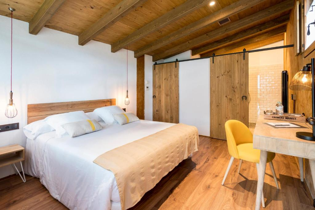 hotels with  charm in la vall de bianya  17