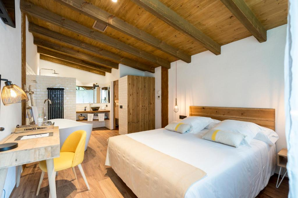 hotels with  charm in la vall de bianya  14
