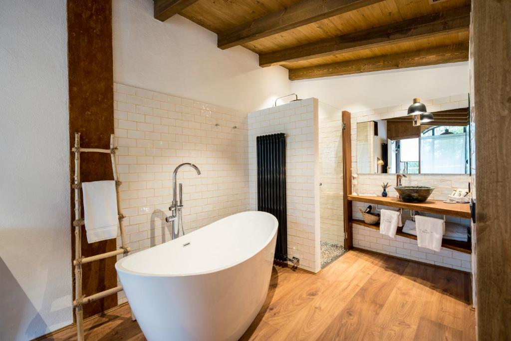 hotels with  charm in la vall de bianya  15