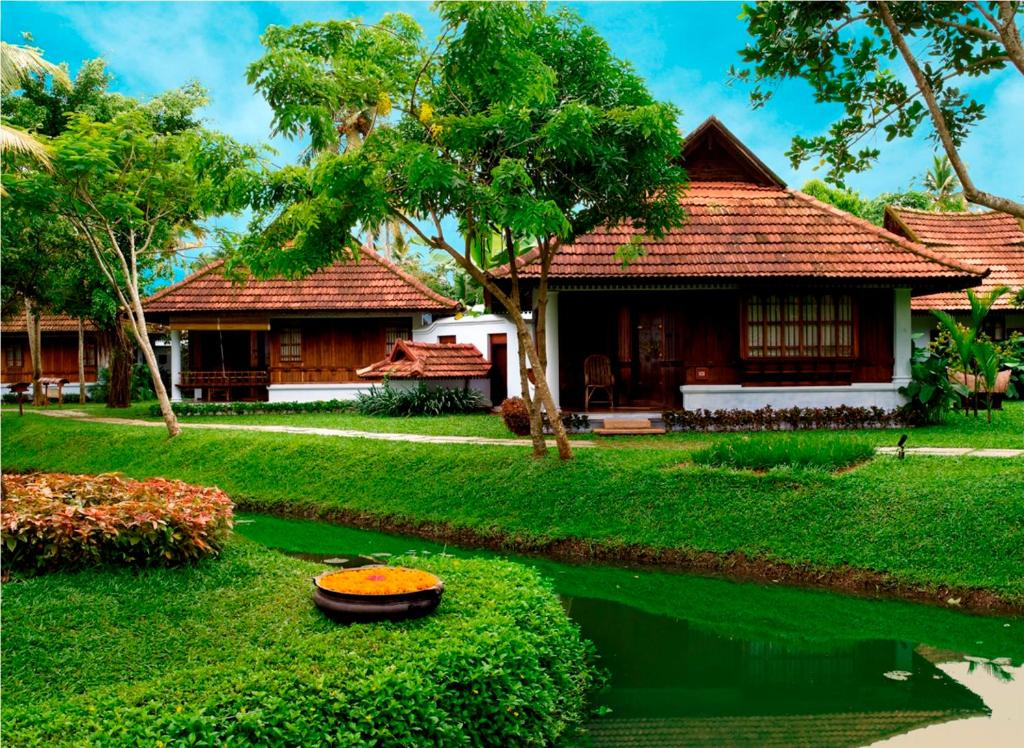 Kumarakom Lake Resort India