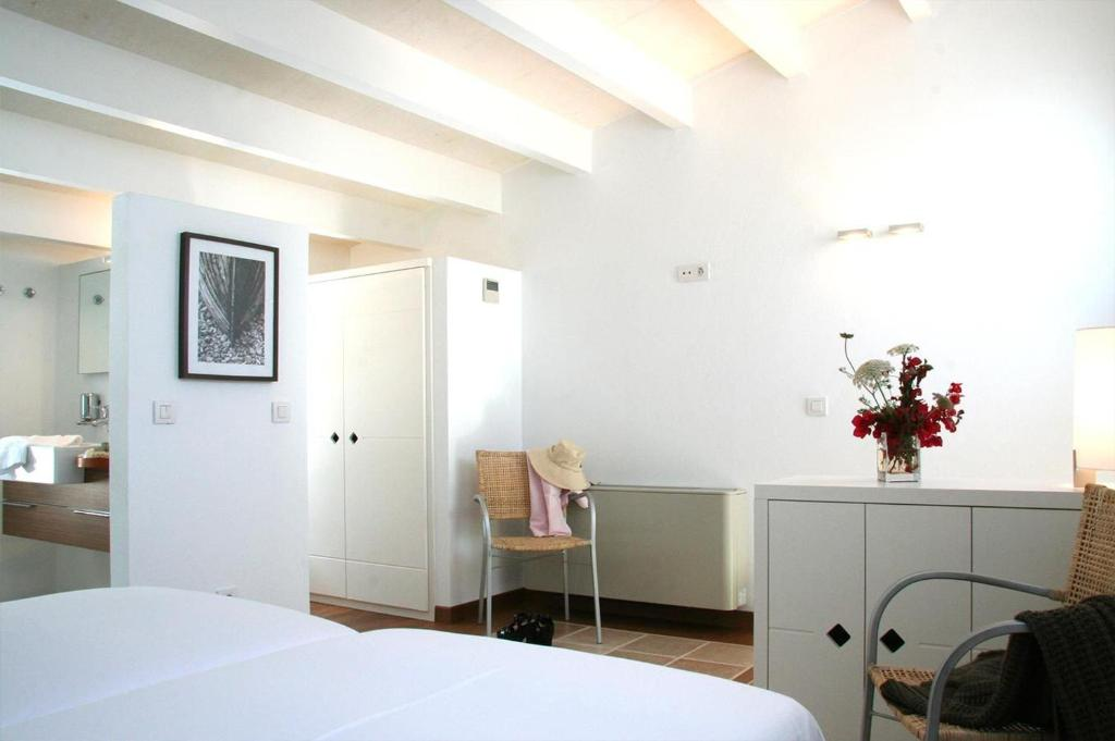 boutique hotels menorca  40