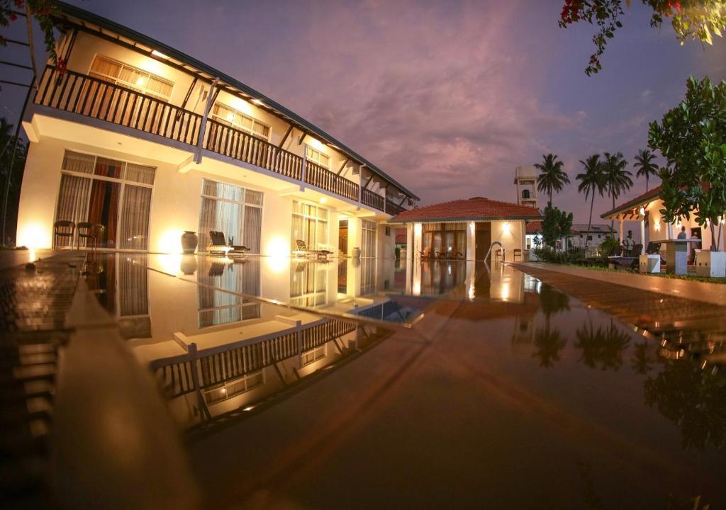 White Rose Beach Resort, Шри-Ланка