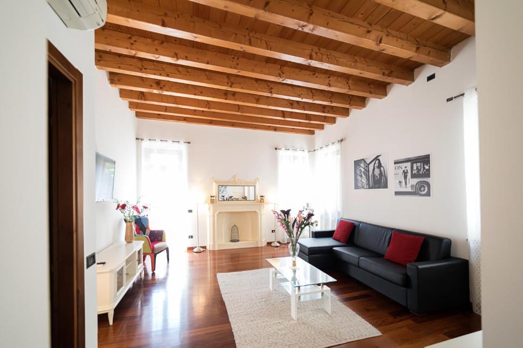 Black Stone Apartments (Residenze del Cuore), Verona – Prezzi ...