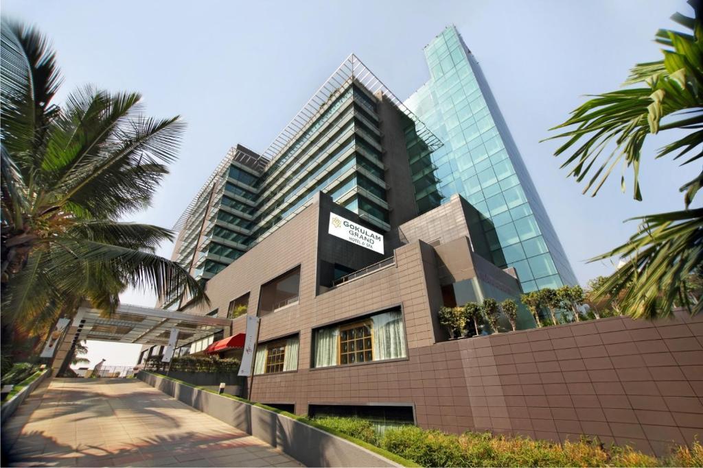 Gokulam Grand Hotel Spa Bangalore India Bookingcom - Bangalore-taj-hotels-the-happening-landmark-of-the-city