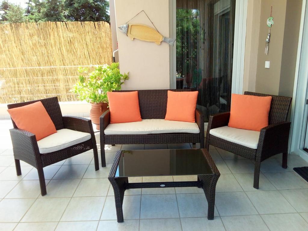 A seating area at Markela's Paradise