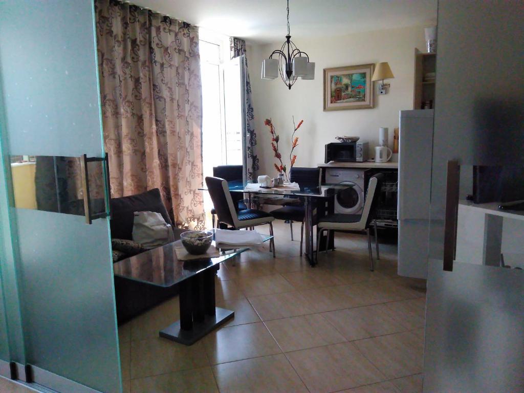 Апартамент Grand Midia Resort - Ахелой