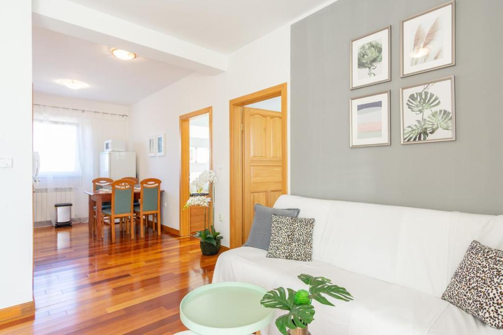 Room photo 11103799 from Holiday home Kvart Mimoza I Hotel in Fažana