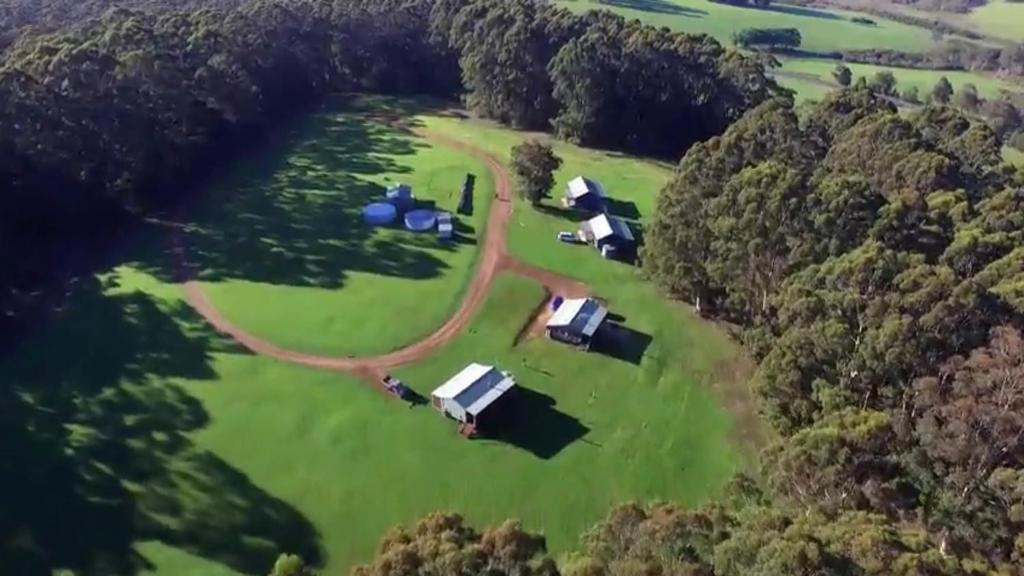 A bird's-eye view of Tinglewood Cabins