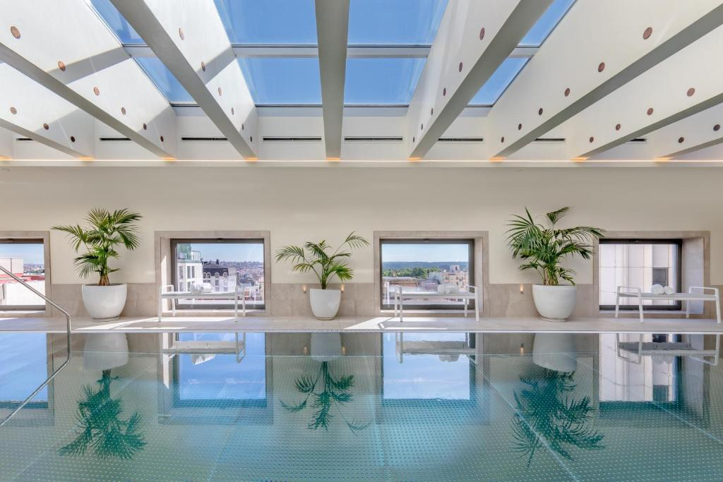 The swimming pool at or near Barceló Torre de Madrid