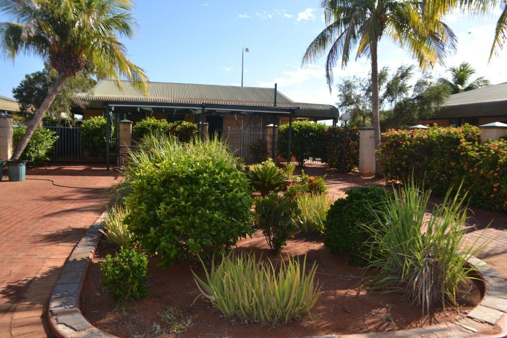 Adult Guide in Port Hedland