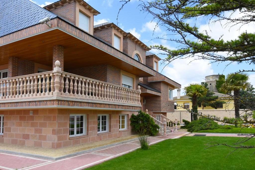Vacation Home Los Olivos, Nava de la Asunción, Spain ...