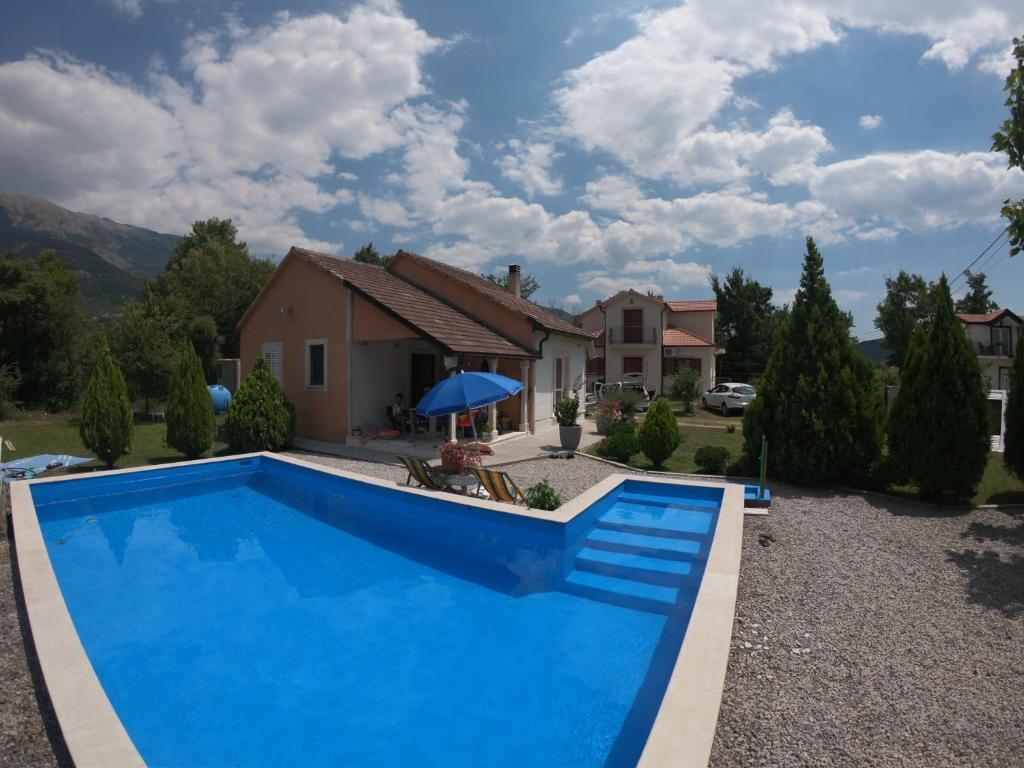 family house with swimming pool モンテネグロ vranovići booking com