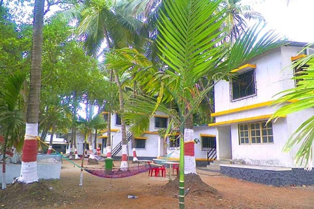 cottage with a garden in alibag by guesthouser 42899 alibaug rh booking com