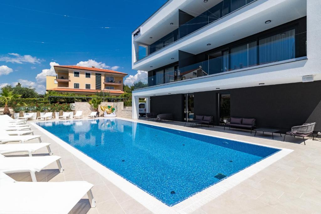Austria Deuren Dealers : Luxury apartments magali rovinj croatia booking.com