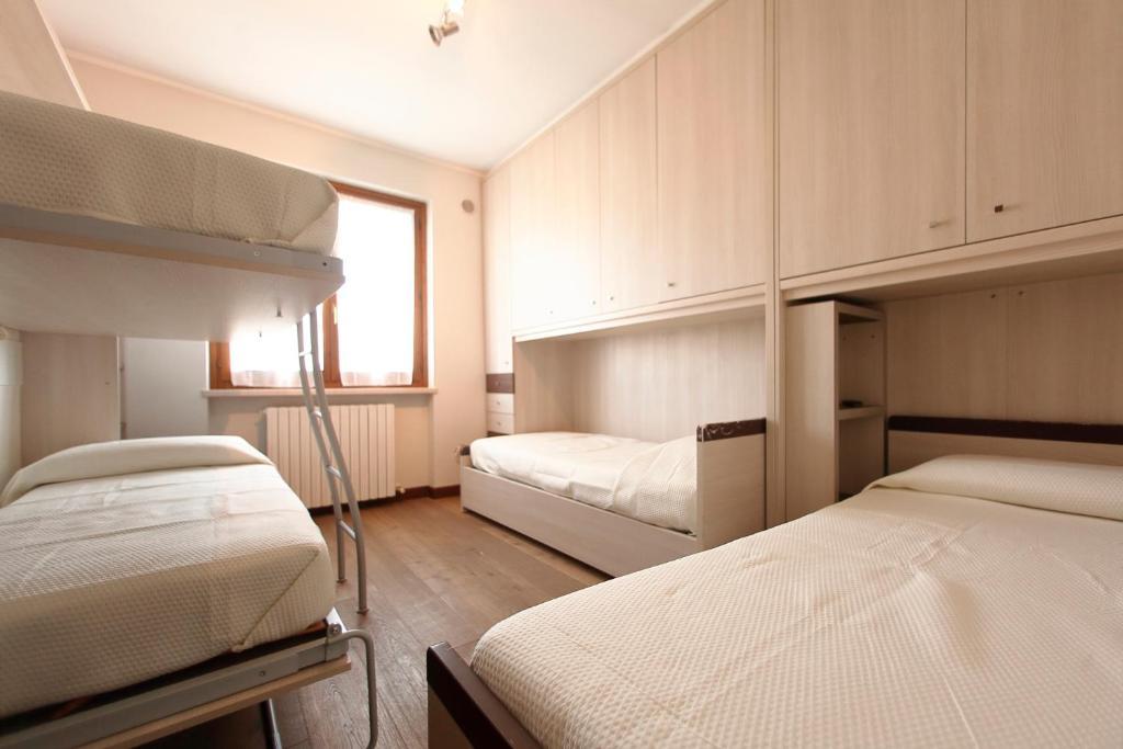 Tavoli Da Giardino Happy Casa : Happy residence cavalcaselle u2013 prezzi aggiornati per il 2018