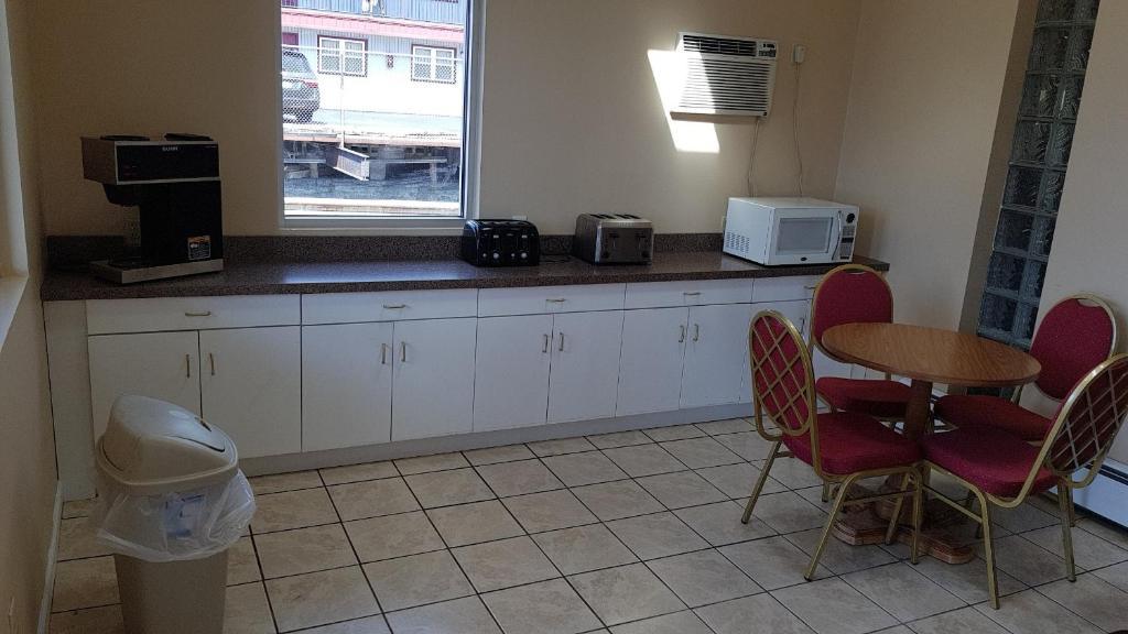 Rest Inn Utica Ny Booking Com