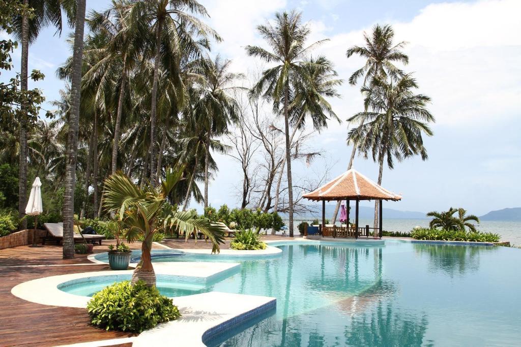 Poolen vid eller i närheten av NATAYA Round House Coral Bay Resort