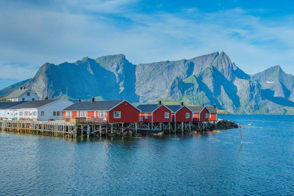 Resort Eliassen Rorbuer Reine Norway Booking Com