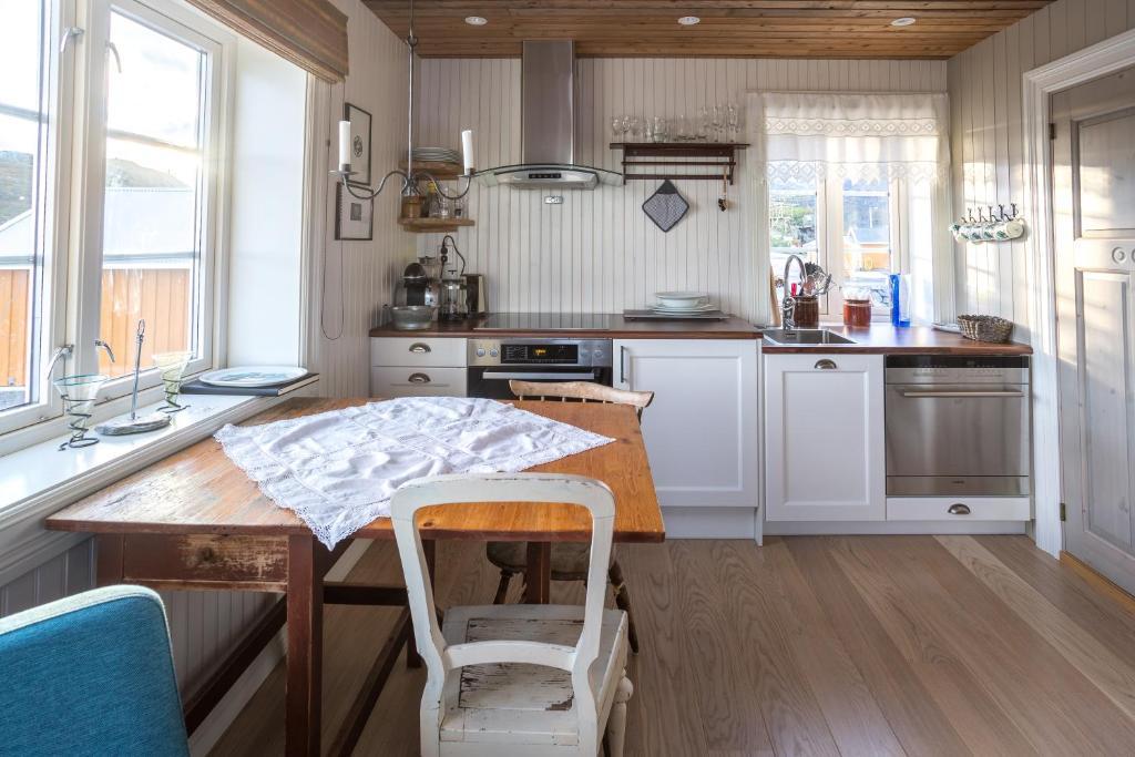 Sakrisøy Mini Apartment Moskenes Norway Bookingcom