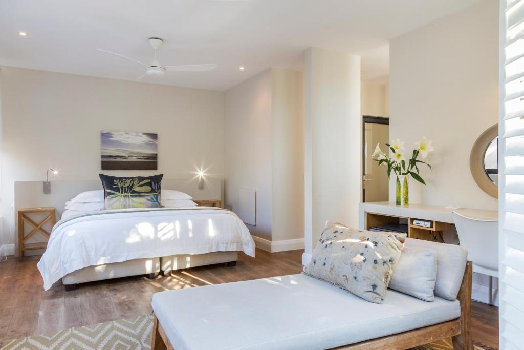 A bed or beds in a room at Christiana Lodge