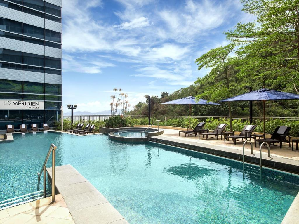 The swimming pool at or near Le Meridien Cyberport