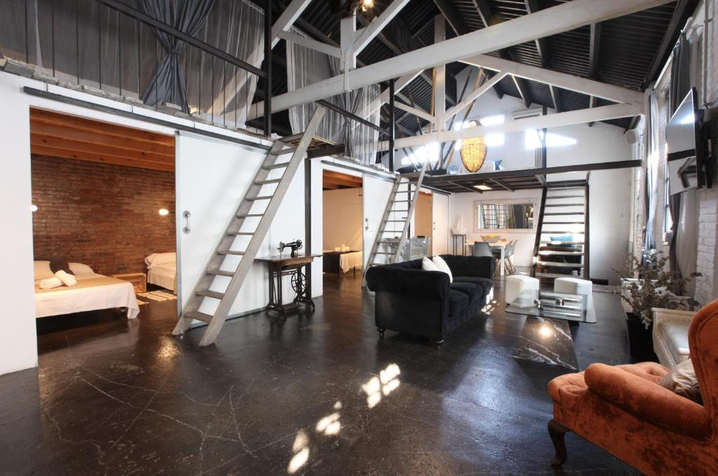 Lux loft city center barcelona updated 2019 prices for Living room city center barcelona