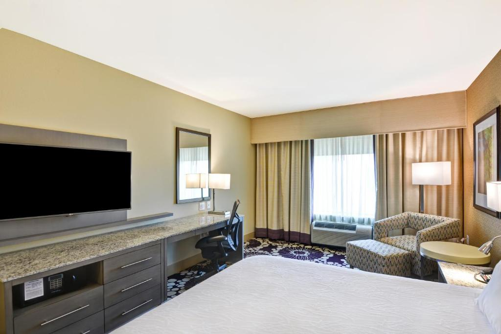 gallery image of this property - Hilton Garden Inn Raleigh