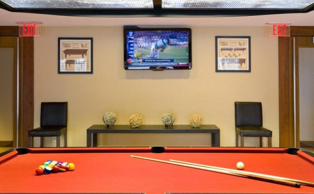 Apartment evolve fenway trilogy boston ma for Acote salon boston