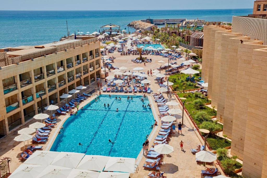 coral beach hotel beirut lebanon. Black Bedroom Furniture Sets. Home Design Ideas