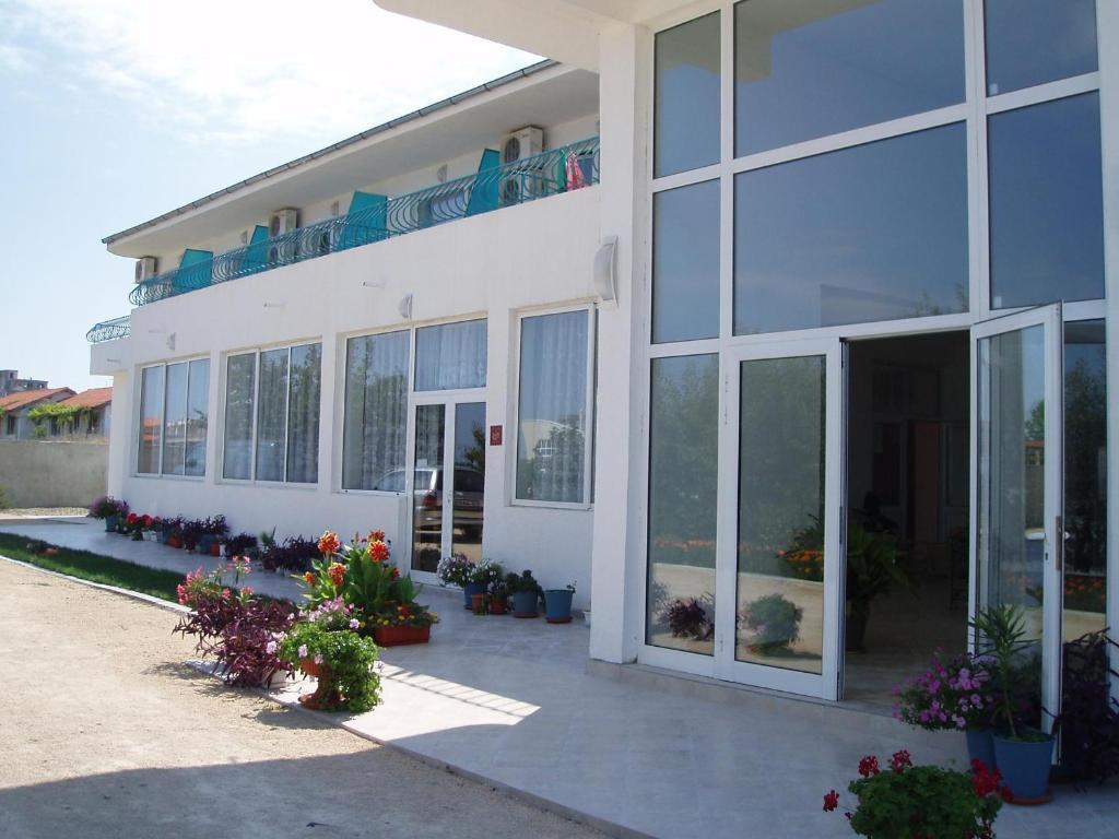 Хотел Семеен Сани - Бяла