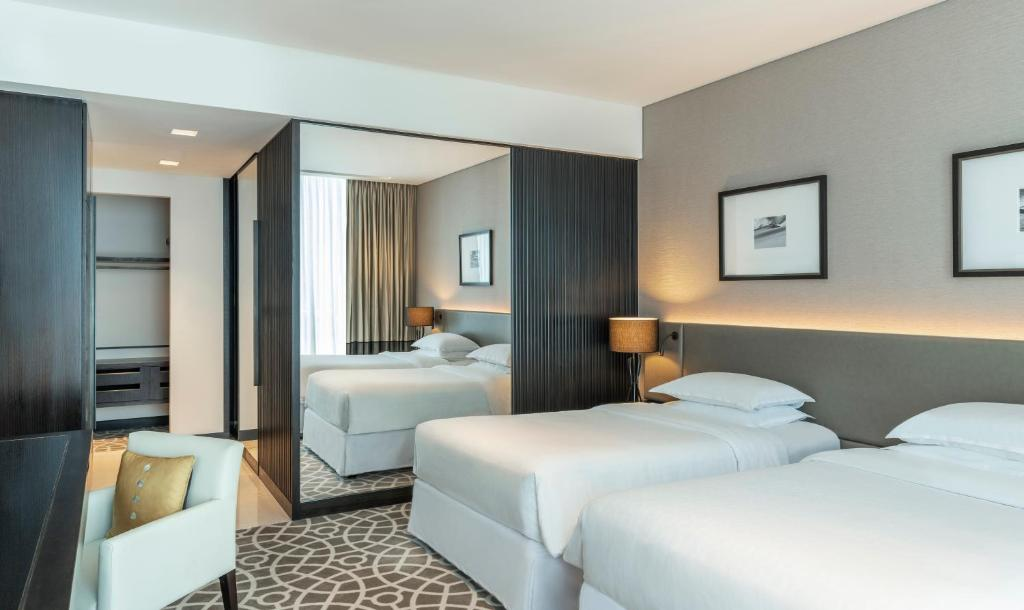 Sheraton Grand Hotel Apartments Dubai Uae Booking Com