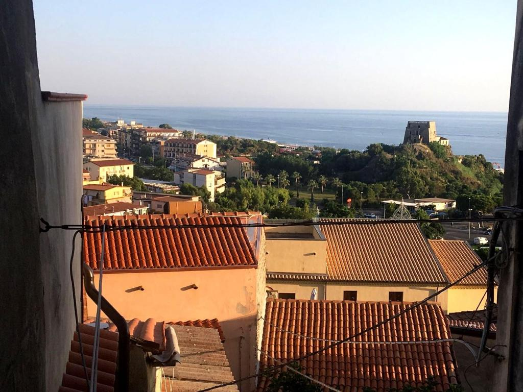 Dating in scalea italy real estate
