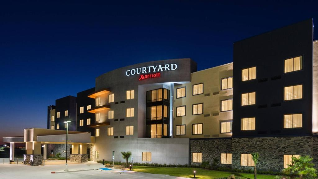 Hotel Courtyard By Marriott Katy Mills, TX - Booking.com on seminole towne center map, philadelphia premium outlets map, castleton square map, waterford lakes town center map, palisades center map, sugar land town square map, san marcos premium outlets map, vacaville premium outlets map, glenbrook square map, the shops at nanuet map, birch run premium outlets map, pine mill ranch map, the forum shops at caesars map, the shops at la cantera map, woodburn premium outlets map, festival bay map, the parks at arlington map, outlet shoppes of the bluegrass map, macarthur center map, williamsburg premium outlets map,