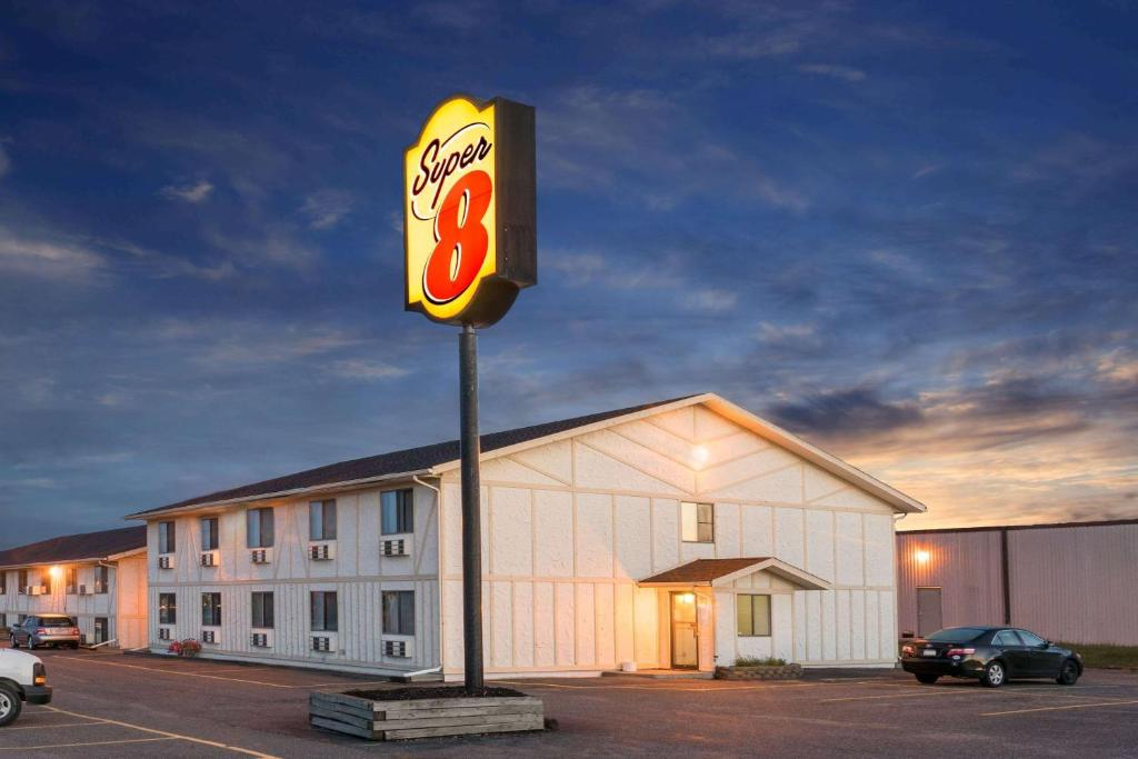 Hotel Super 8 Little Falls  Mn