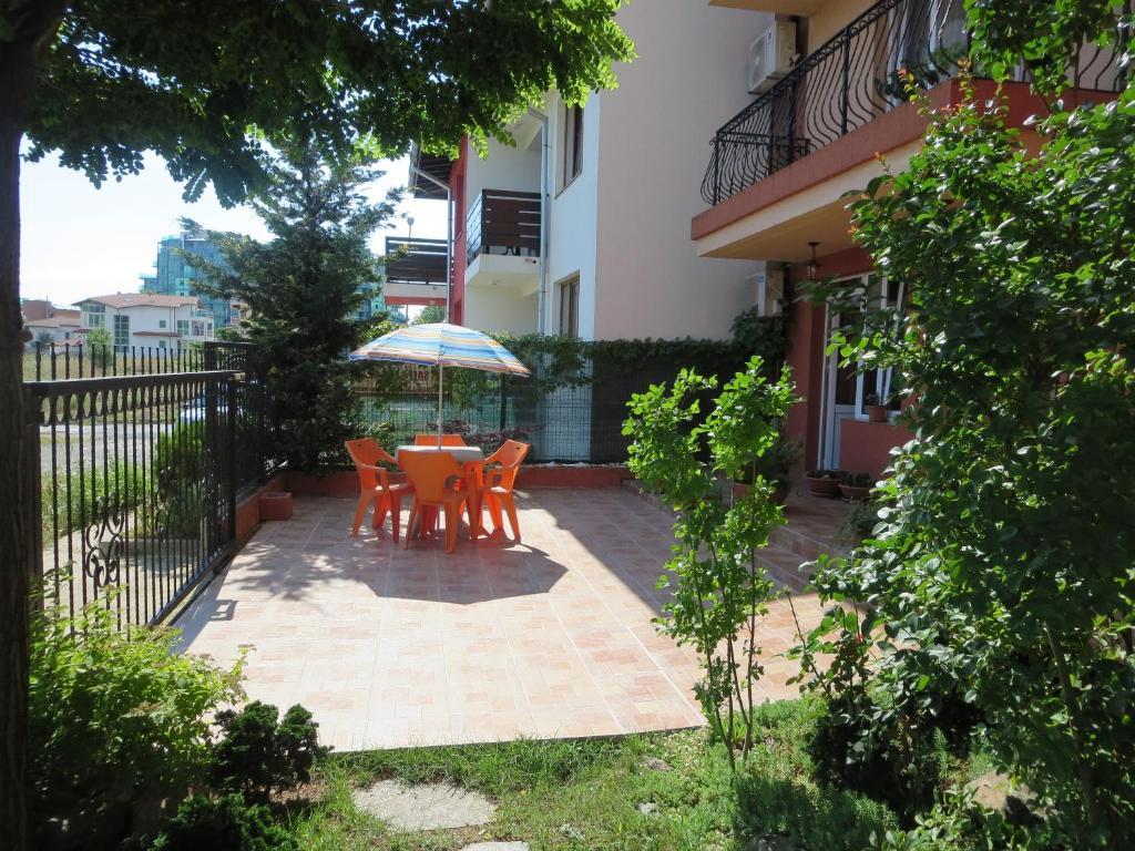 Апартамент Astara Апартаментs - Приморско
