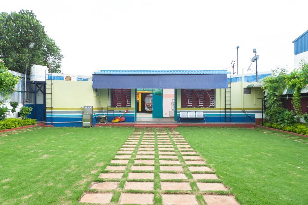Apartment Oyo 17088 Home Garden 2bhk Jipmer Auroville India