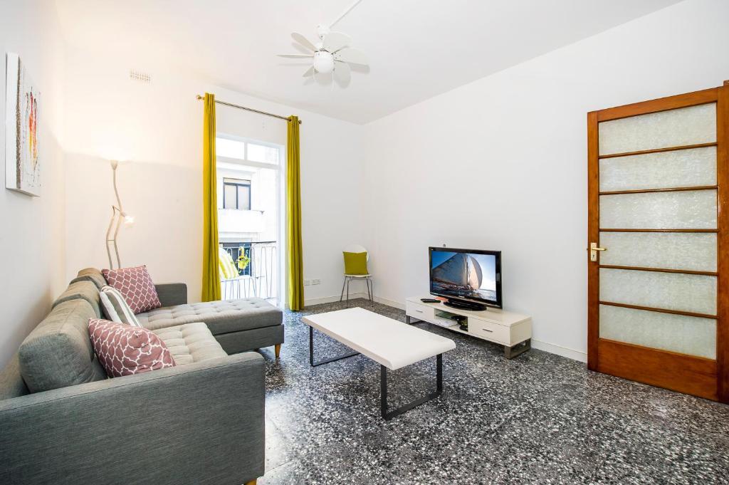 Charming 3 bedroom Flat, Theoria Travel, Ta' Xbiex – Prezzi ...