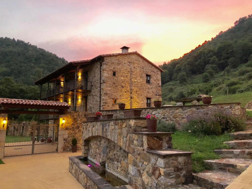 Hotels In El Serrat Catalonia