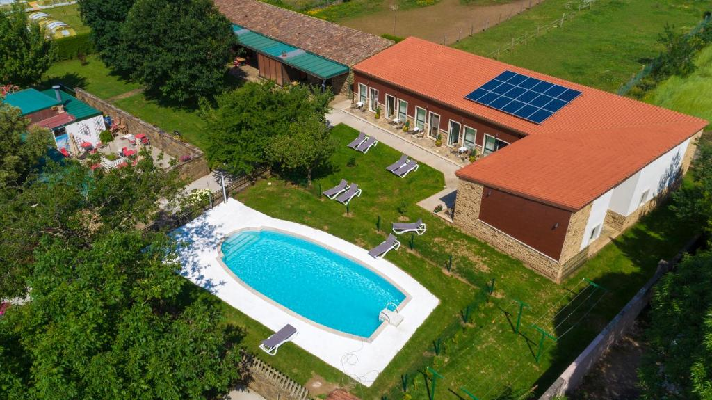 A view of the pool at Hotel Rural O Acivro or nearby