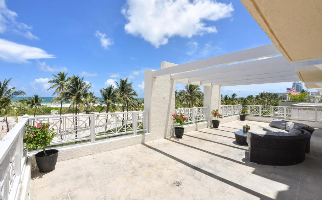 The Casa Grande Beach House Reserve Now Gallery Image Of This Property