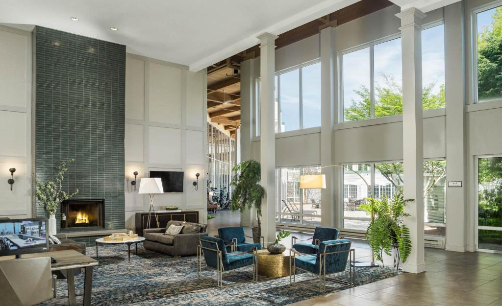 doubletree by hilton hotel burlington vermont burlington updated