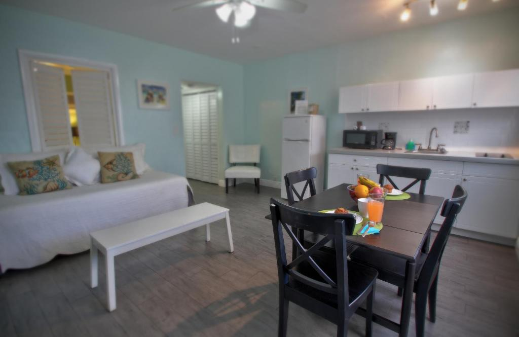 Hotel Beachside Boutique Suite Hollywood Fl Booking Com